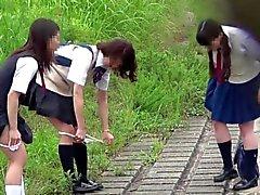 【JAPAN】peeing peeping pii pis schoolgirl cute