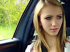Hermoso de Beatrix folla duro en el carro