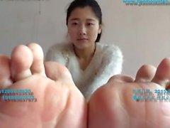 Chinês menina meias e pés