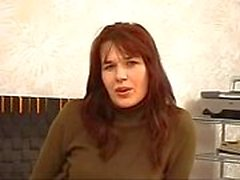 Lana ( 40 anni) MILF Russia nel campo della fonderia della mamma