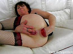 Dgg018-05.04.2015 - Beyaz daybed HD'de kendinden anal fisting ve prolaps masajı порно видео