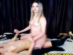 Pieni Titty Teen Blonde Slut