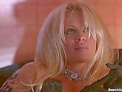 Von Pamela Anderson nackte - Barb Wire