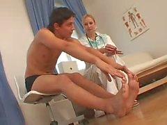 CFNM sjuksköterska och hennes patient