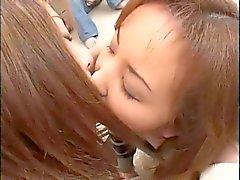 Лесбийская поцеловать 008