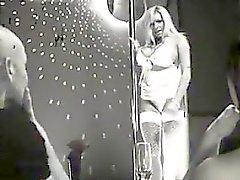 Lesbiens sur le podium du Strip Club