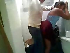 Amerika Hint Kızı kullanılmayan içinde tuvalet kendi BF birlikte hızlı siktir olup gördü