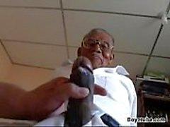 Viejo abuelo negro fuck white fatty