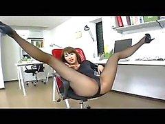 Asian babe in pantyhose