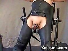 Отшлепывание Чик При Voluptuous секс фетиш