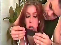 Kauniit punapää Nahkapäällysteinen Gets Sidottu enintään ja suukapula