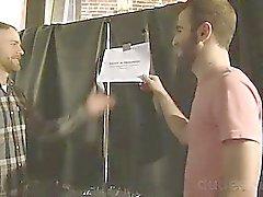 AJ Long and Coles Hudson sich stinksauer , wenn sie auf gelangen