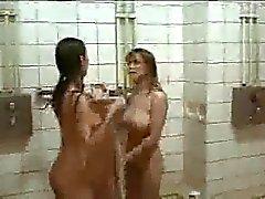 Film med håriga tjejer i dusch .