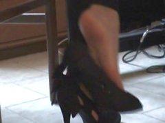 Aiko Shoeplay clip 8 from Footfetish Garden