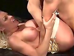 Hot Brit Babe Tupakointi Blowjob ja Sex