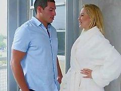 Moms Bang Teen - madrasta faz fode jovem casal