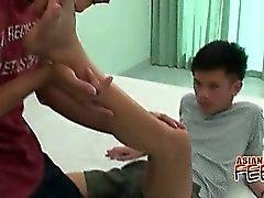 Stranezze asiatici 'Foot Loving Il sesso gay