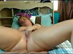 Fat Mollig Stern Teen von GF Fingersatz und Probe ihre cremige Muschi