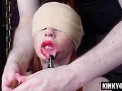 Hot Slave rimjob mit Sperma schlucken