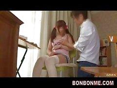 enseignant y l'éducation sexuelle pour l'étudiante la fille plantureuse 001