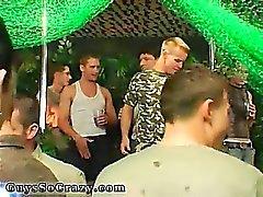 Gammal man som bög suck samt Svälj festen och homosexuella grupp som har könsbestämma