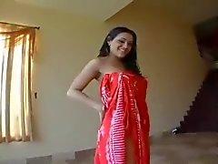 Sensual Aplauso Ass árabe no vestido