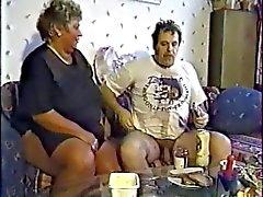 Deutsch Oma mit grauen Haare gefickt im Freien durch ein Menschen Bestandteil zwei