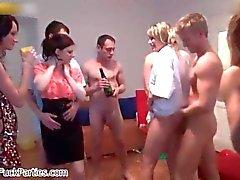 Seksikäs blondi Babes saada kiimainen tivoli