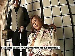 Kei geiler japanischen Baby Dienstmädchen zeigt ihre saftige Pussy