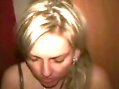 vrouw neuken met vreemde in swinger club