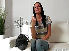 Castingxxx Beautiful brunette cinselliğe konuşulan
