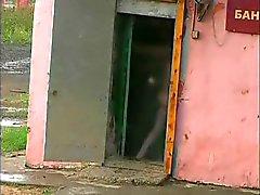 Russische Militär nackte eine Sauna