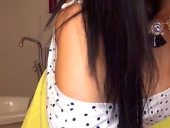 Delightful young Latina loses all her clothes and displays her curves