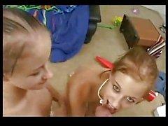 Teen Babysitters gemellate ottenere un bonus
