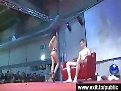 Julkinen porno Katja ja vieressä Boy