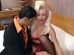 Uno degli Classic il francese degli anni '90 , questa clip sia troppo caldo da maneggiare
