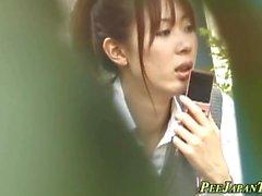 adolescente japonesa faz xixi n fricções