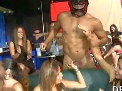 Tonnen von group sex am Tanzfläche