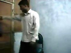 De Desi bengali Raand Faire chanter à son client