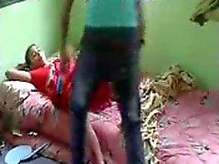 Bhabhi type desi réelle baiser par son devar en secret chez eux