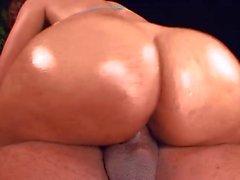 booty showoff by buxom carol hd