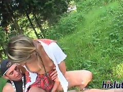 schoolgirl deliziosa fotte per un trattamento viso disordinati
