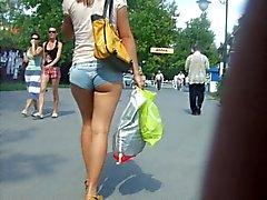 Ukrainan tyttö minishorts