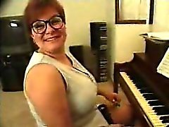 Piano teacher gets taught!