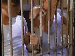 Di Chloe di Nicole bisessuato in carcere