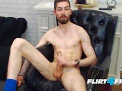 Tyylikäs Euro Gent Michel Style haluaa olla sinun Fuck Buddy