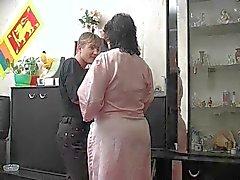 Mamã com ass largo, chapins flacidez , cabeludas & Indivíduo