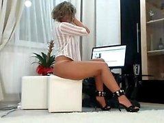 La masturbación erótica en solitario con Rita Faltoyano