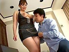 Sensuroitu paksu aasialainen nainen vittu
