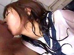 Attraente teen nipponico con favolosa tette e culi gode di